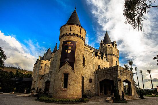 Fachada do Castelo de Itaipava